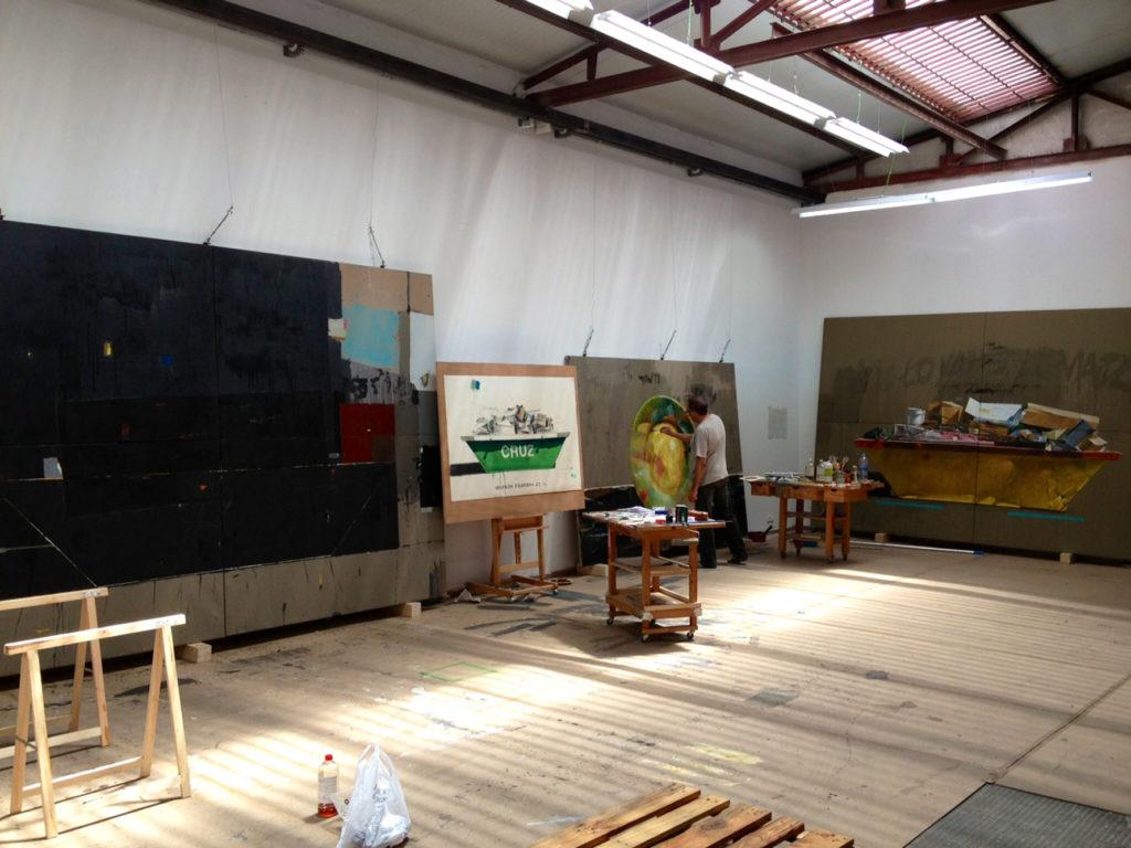 Manuel Quintana Martelo, artista plástico, en su estudio de Madrid.