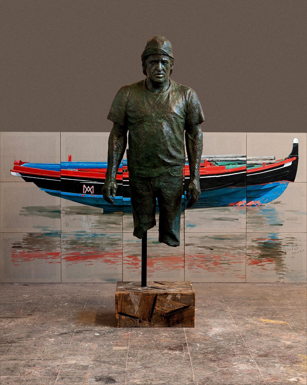 Instalación compuesta por escultura en bronce y madera y pintura al óleo, realizadas ambas por el artista plástico Manuel Quintana Martelo.
